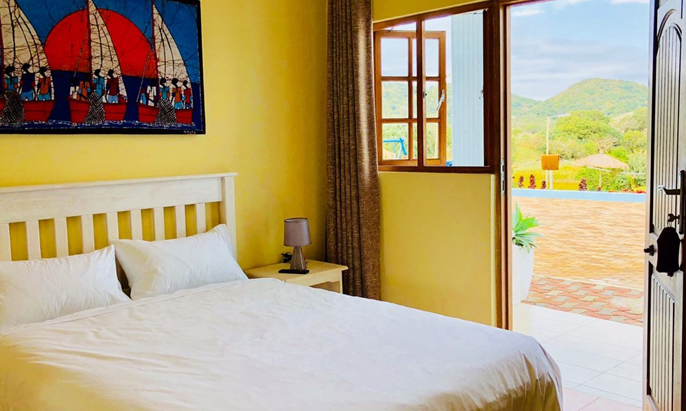 Villa Grande Hotel - Book With Pontadouro.co.za